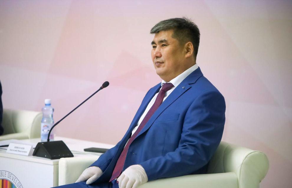 Ректор Северо-Восточного федерального университета Анатолий Николаев во время II Международного «Северного форума по устойчивому развитию»