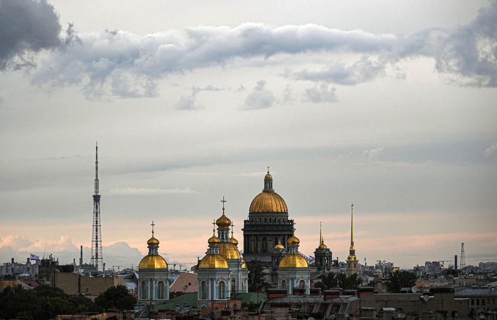 В регионы Арктики поставят товары и услуги более 130 предприятий Петербурга