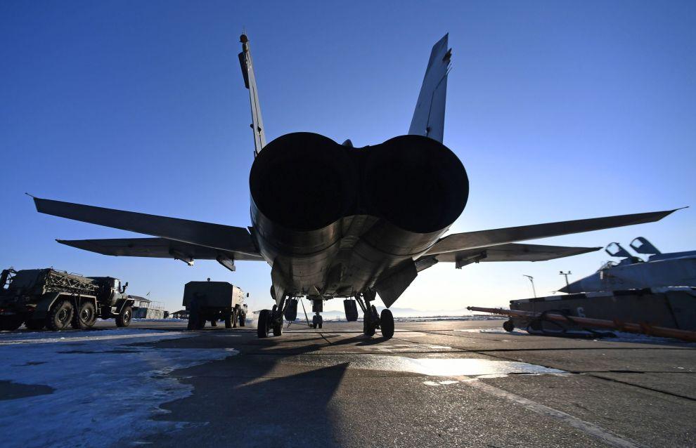 На аэродромах в Заполярье будут дежурить истребители МиГ-31БМ
