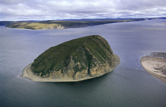 Российские полярники начали сбор данных в проливе Шокальского на глубине 350 метров