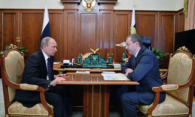 Russian President Vladimir Putin and Roman Kopin, Governor of the Chukotka Autonomous Area