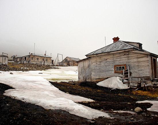 Заброшенная полярная станция Тихая