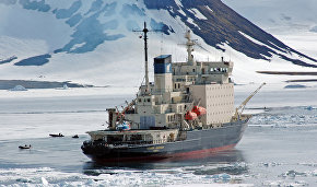 Chilingarov proposes freezing an icebreaker in sea ice to study the Arctic