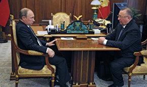 Vladimir Putin meets with Transneft President Nikolai Tokarev