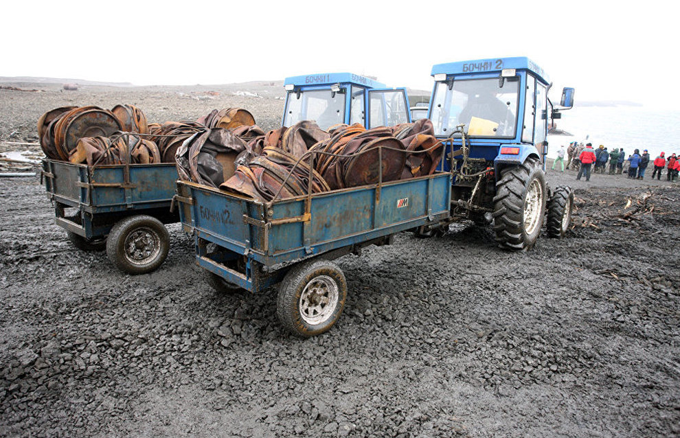 Defense Ministry units collect over 3,600 tons of scrap metal in the Arctic