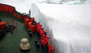 У айсберга. Борт атомного ледокола «50 лет Победы»