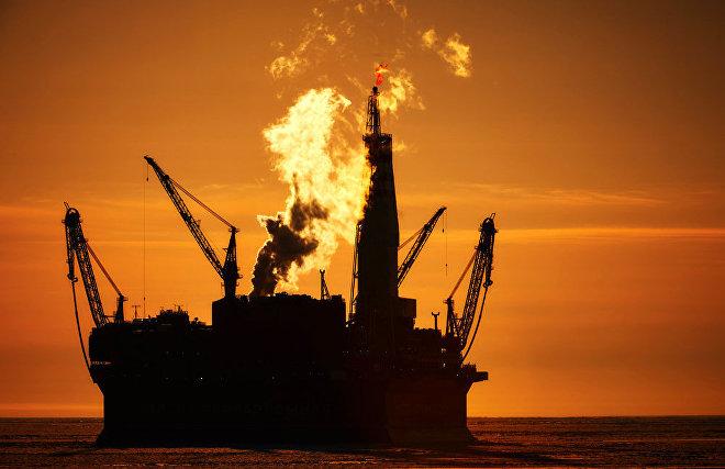 СМИ: Активисты Greenpeace забрались на нефтяную платформу Equinor в Арктике