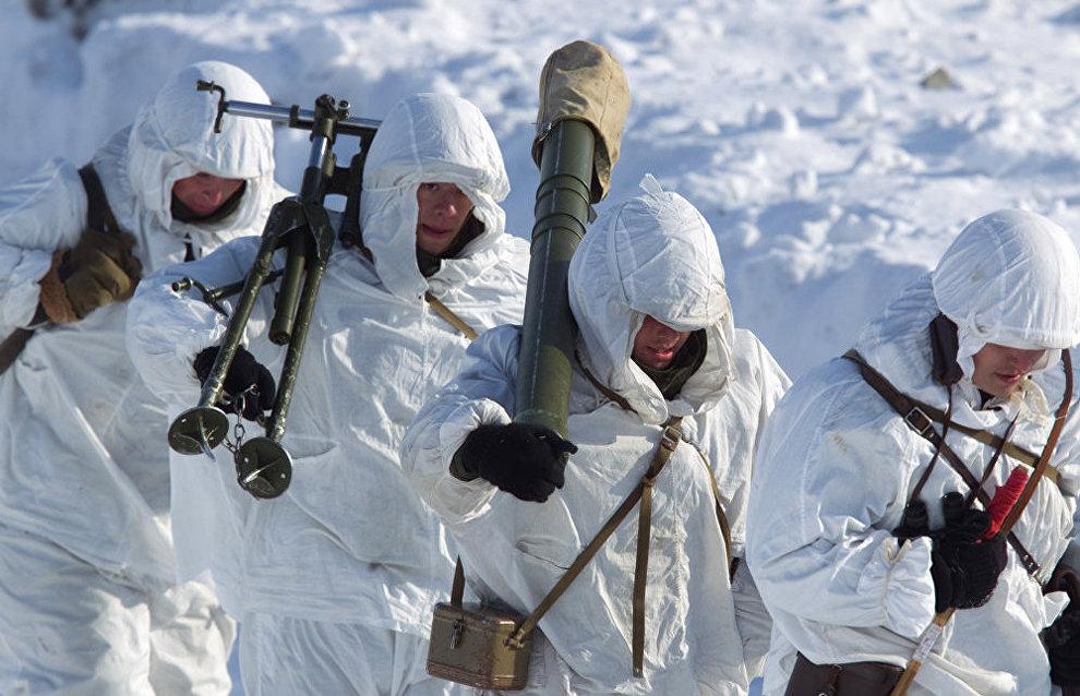 The Russian Northern Fleet's Arctic brigade conducts drills on Kotelny Island