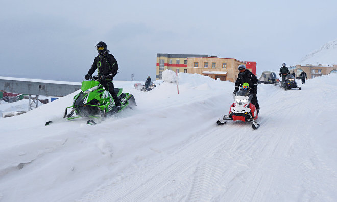 Snowmobile expedition to the Arctic sets out from Yekaterinburg