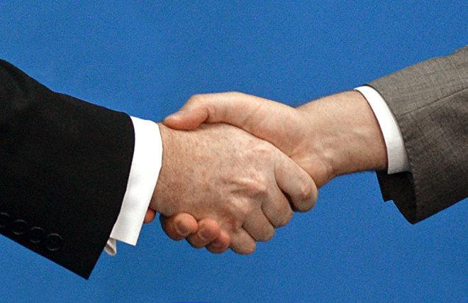 Губернатор Петербурга и глава МИД Финляндии обсудили сотрудничество в экономике и экологии