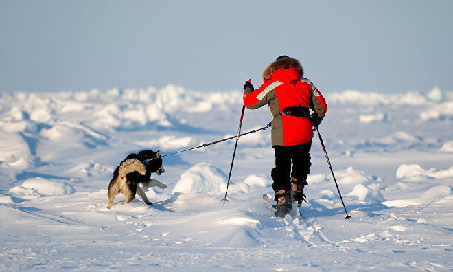 Skiing to the North Pole youth expedition sets out
