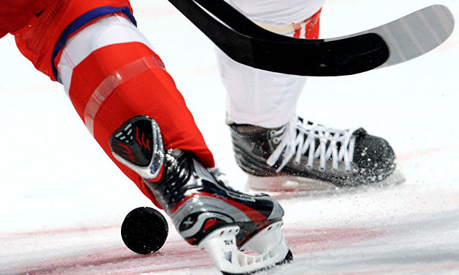 First Arctic ice hockey tournament held in the gulf of ob at the Sabetta port