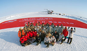 """The Largest Victory Banner"" peacekeeping mission to the North Pole"