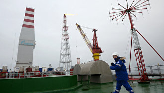 Arctic oil spill cleanup equipment tested at Prirazlomnaya