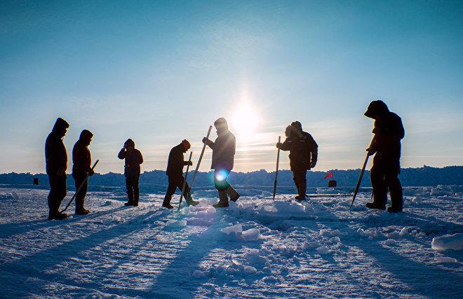 Школьники отряда Большой арктической экспедиции пройдут тренировку в полынье