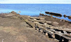 Большой Бреховский остров. Протока Малый Енисей. Судно конца XIX - начала XX. Предполагаемо шхуна Северное Сияние, построенное в Енисейске в 1876 году