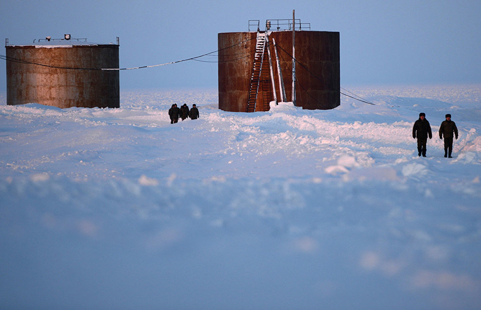 Russian Defense Ministry to complete Arctic military infrastructure by 2020