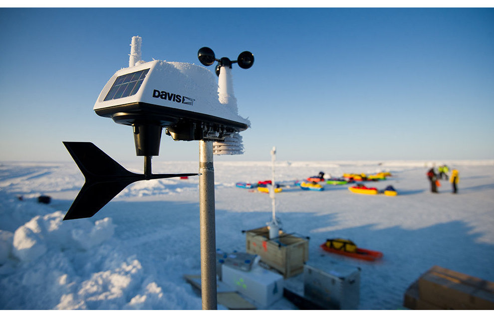 Siberian scientists are developing a research station that drifts with the Arctic ice