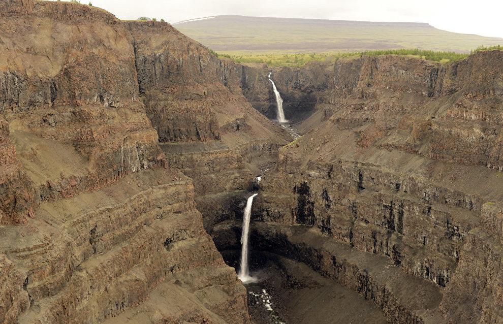 Upper Kanda Falls