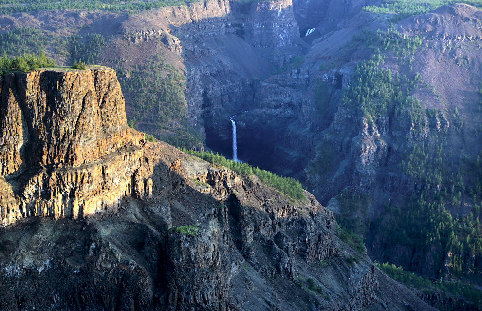 Kanda River Canyon, a view of the waterfall, 86 meters