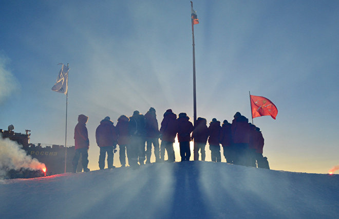 Summer of research. Several expeditions in the Arctic at once