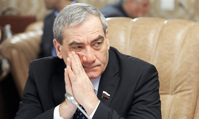 Сенатор Штыров: Учёных стоит включить в законотворческую деятельность по развитию Арктики
