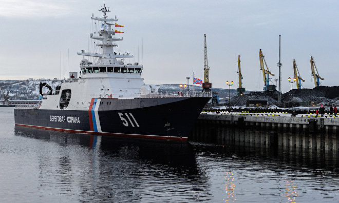 Polyarnaya Zvezda border patrol ship arrives at duty station in Murmansk