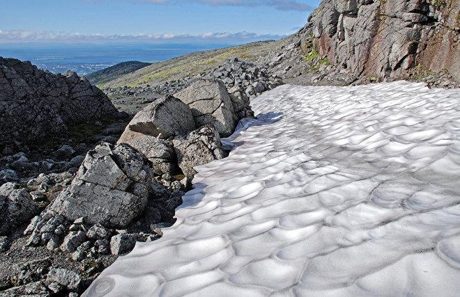 Учёные обеспокоены воздействием дождя на снежный покров Арктики