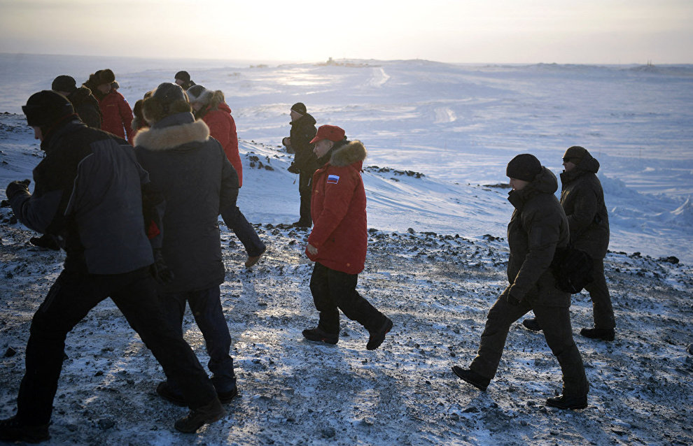 Vladimir Putin thanks participants of the Arctic clean-up on Alexandra Land Island