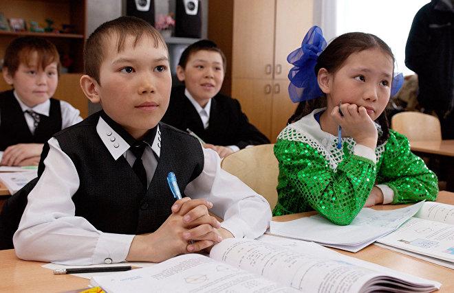 Путин поручил подготовить учителей языков малочисленных народов