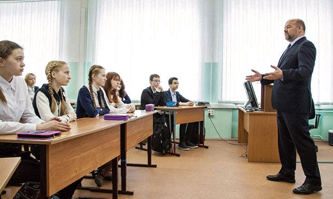 Губернаторы Заполярья провели арктические уроки в школах