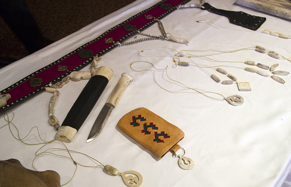 An exhibition of folk crafts