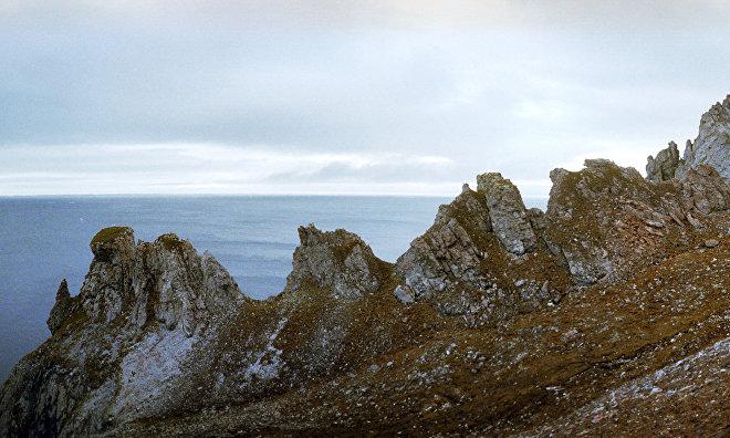 Eastern Military District's environmental platoon starts waste removing on Wrangel Island