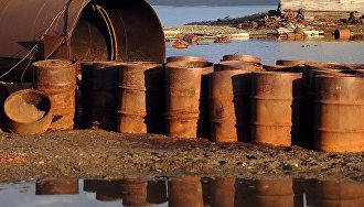 Экологический взвод Минобороны РФ собрал на острове Врангеля более 1000 бочек