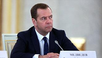 Медведев: Все обязательства правительства по развитию Севморпути будут выполнены