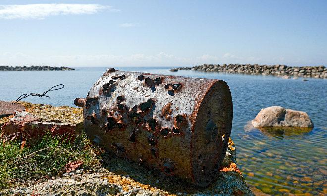 Environmental expedition to clean Vilkitsky Island