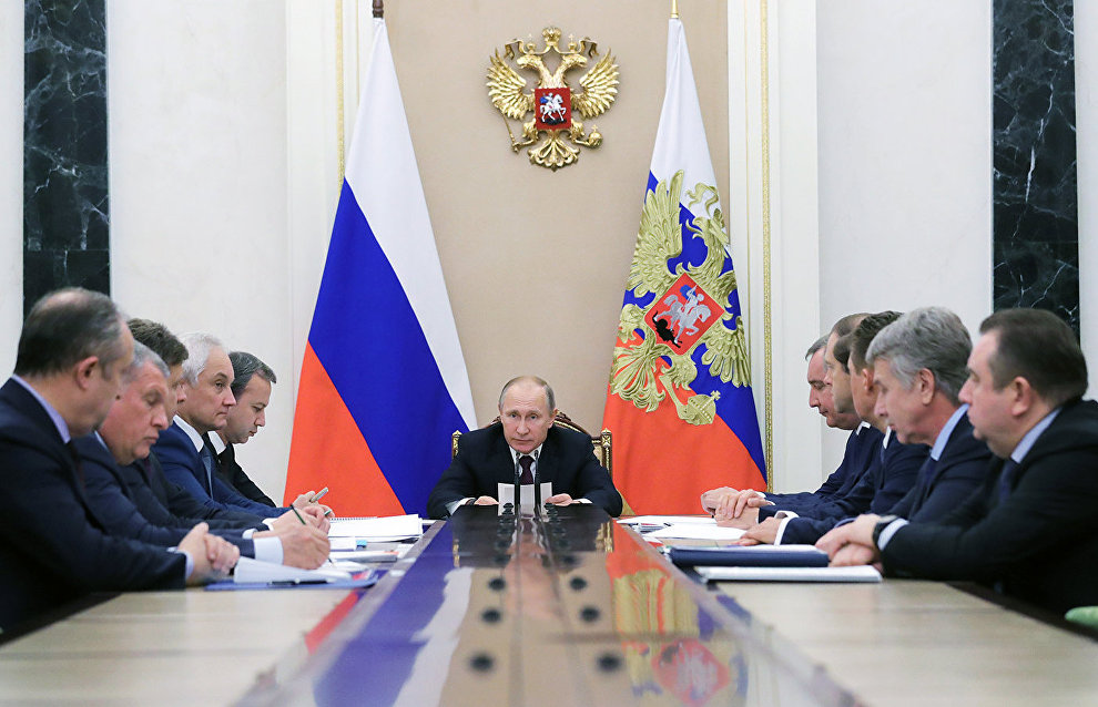 Putin hopes only Russian vessels will transport HCs via Northern Sea Route