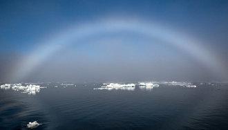 Учёные раскрыли природу загадочных фиолетовых радуг в небе Арктики