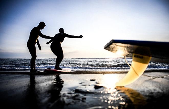 ENG_Обучение сёрфингу зимой на Халктырском пляже