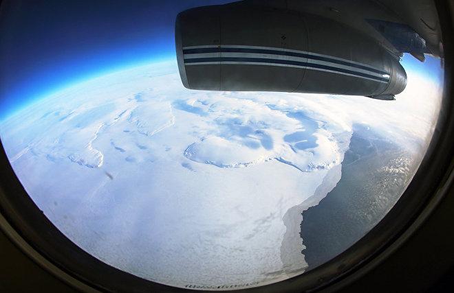 Авиаэкспедиция по Арктике задерживается в Канаде