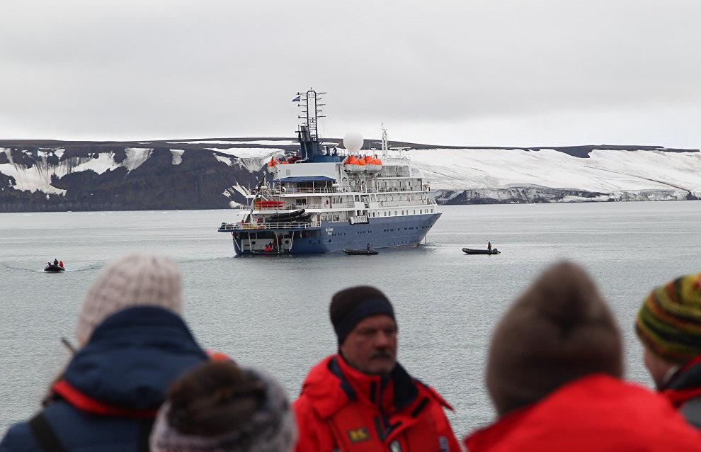 В Ростуризме заявили, что КНР заинтересована в росте потока китайских туристов в Арктику