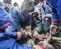 Традиционная борьба оленеводов – перетягивание палки. Посёлок Тухард. Таймыр