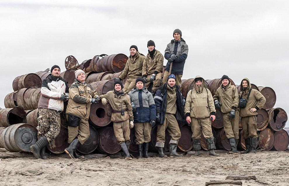 A volunteer environmental expedition to Vilkitsky Island