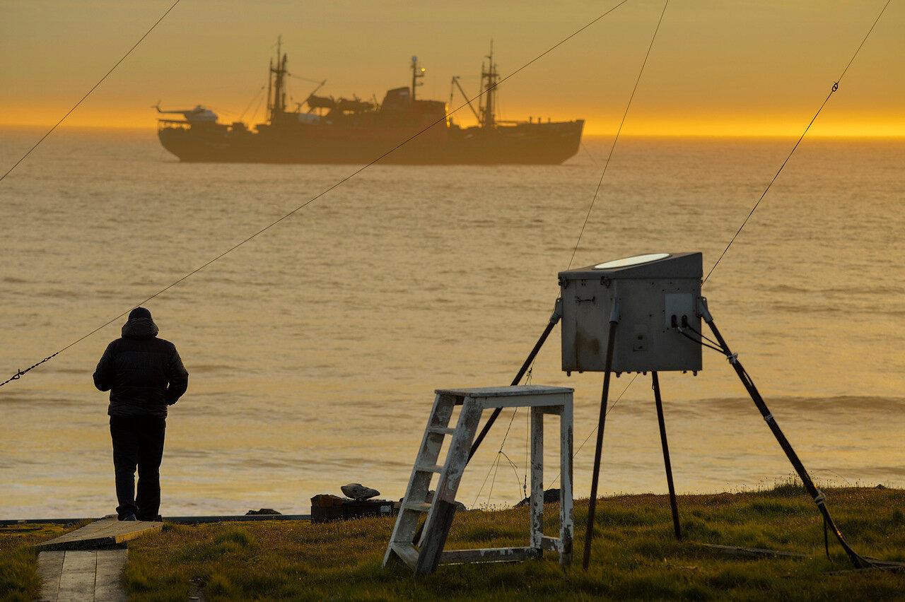 The research vessel Mikhail Somov near the station at Cape Sterligov, Krasnoyarsk Territory