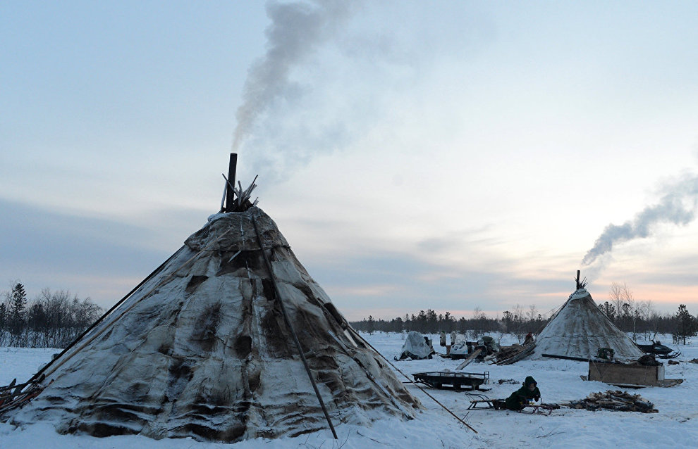 Scientists ask Yamal natives to photograph mysterious natural phenomena