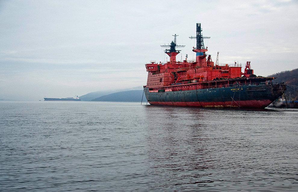 Начало эксплуатации российского атомного ледокола «Арктика» намечено на май 2020 года