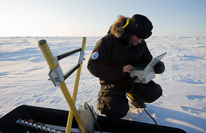Russian, German scientists to study North Magnetic Pole's drift from Canada to Siberia