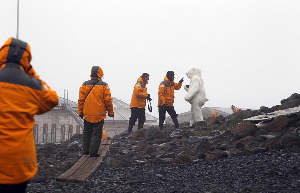 Минвостокразвития до конца года подготовит план развития туризма в Арктике