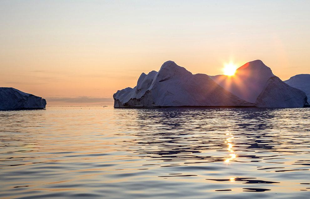 Global warming creates new Arctic island