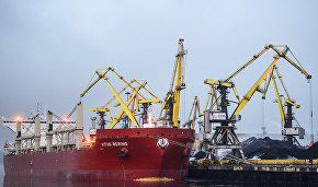 Китайский балкер Vitus Bering после погрузки выйдет из Мурманска 30 ноября